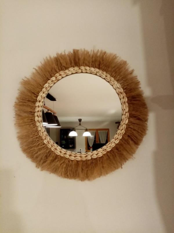 Miroir bohème bali fabriqué avec de la corde de jute et coquillage